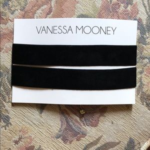 Vanessa Mooney Choker